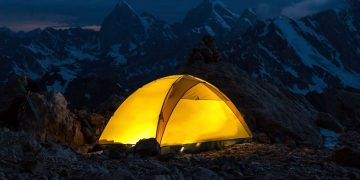 How To Heat A Tent Without Electricity - Outdoor World Reviews