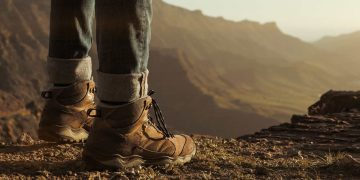 How to Fit Hiking Boots - Outdoor World Reviews